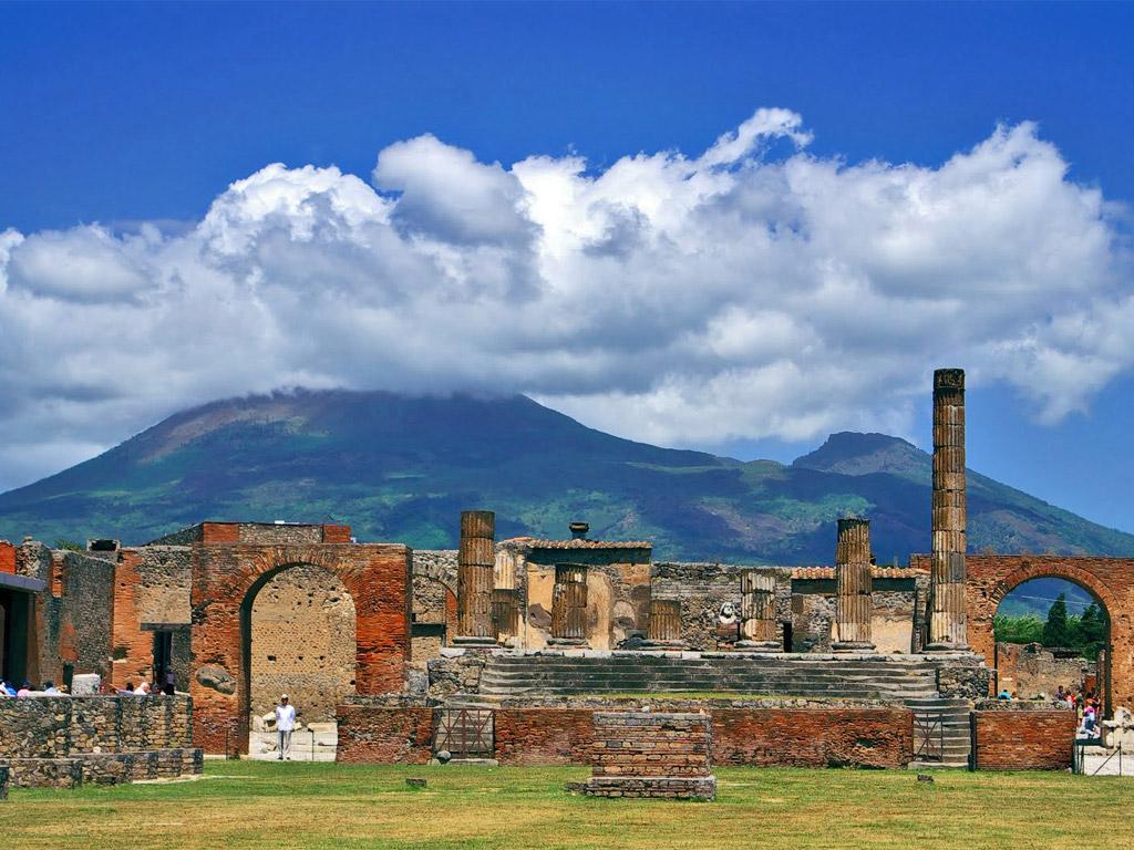 Positano shore excursion Pompeii Tours Amalfi coast private driver